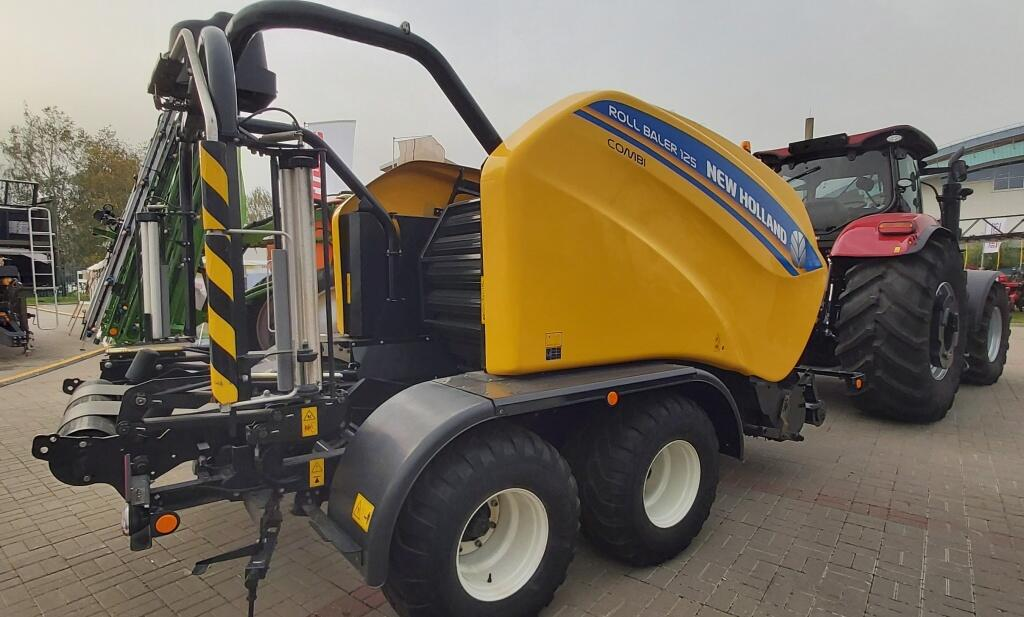 New Holland Roll Baler 125 Combi 8.jpg