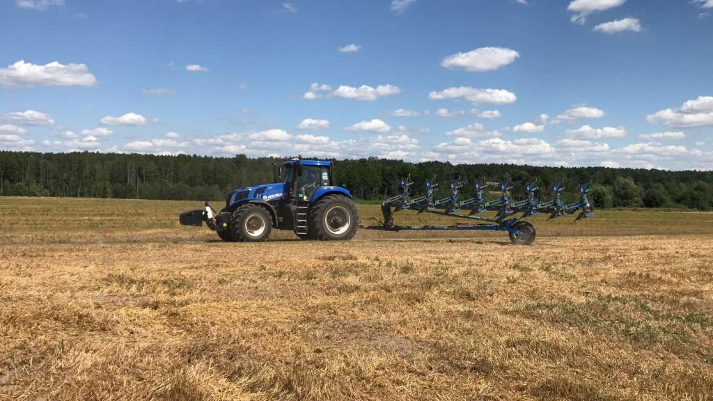 NEW HOLLAND T8.435 и LEMKEN.jpg